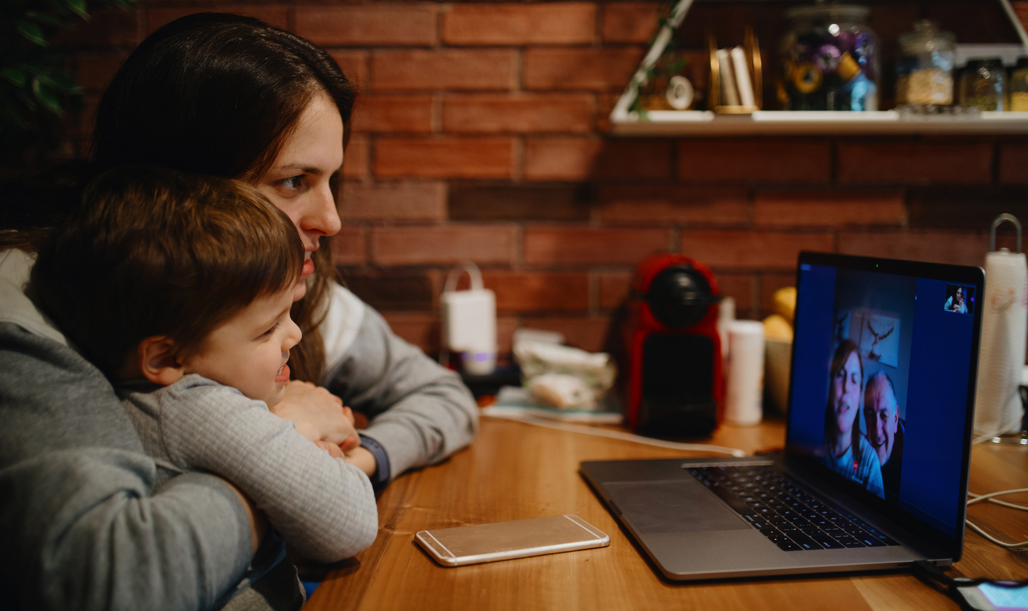 Why Video Chats are So Popular